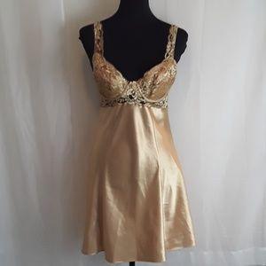 Victoria Secret sz M lingerie night gown